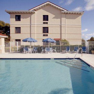 Extended Stay Deluxe Hotel Daytona Beach