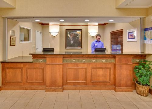 Candlewood Suites State University Fargo