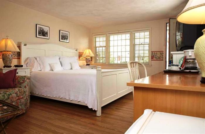 Chatham Seafarer Inn_3