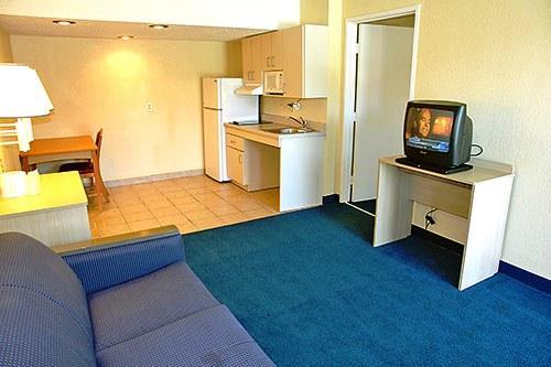Motel 6 Dean Martin Las Vegas