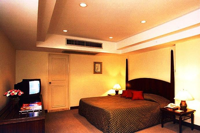 S D Avenue Hotel