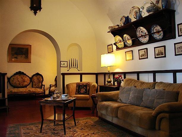 Albergaria Solar De Monfalim Hotel Evora