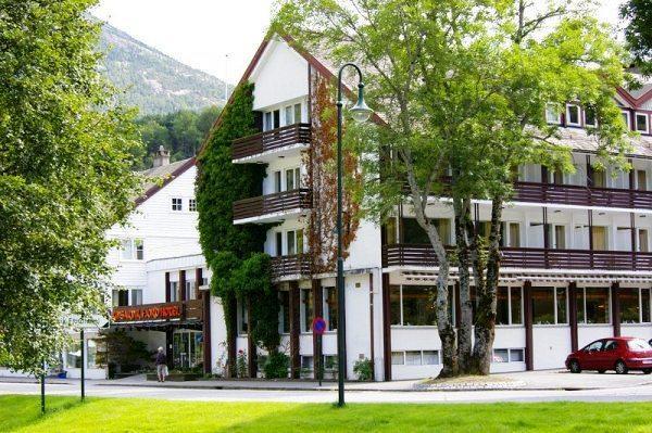 Kinsarvik Fjord Hotel