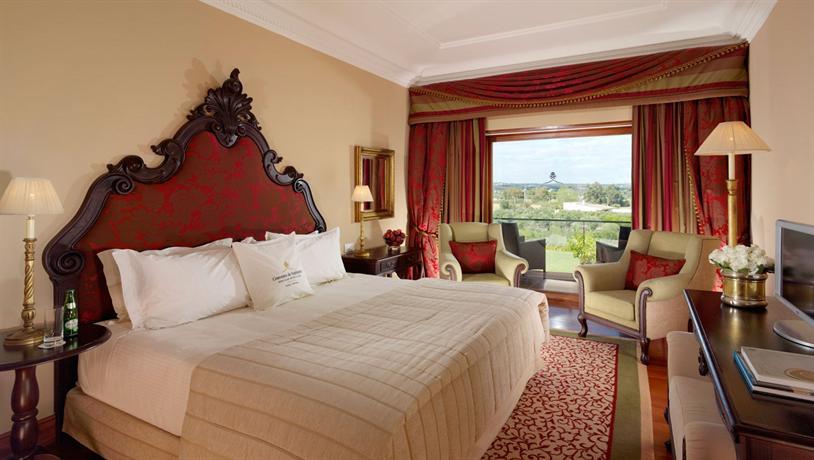 Convento Do Espinheiro Hotel Evora