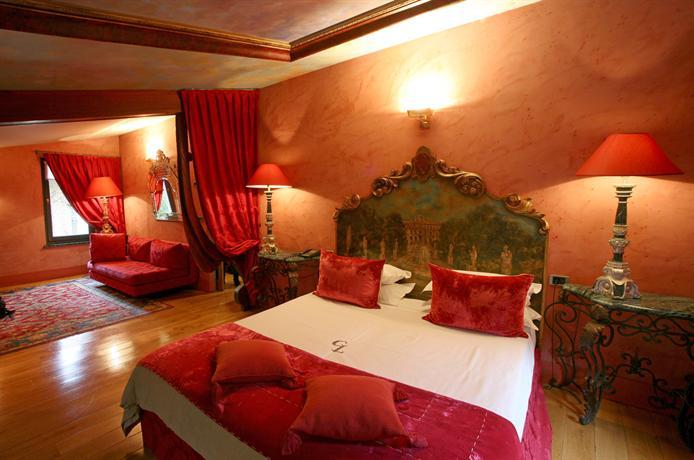 Cour Des Loges Hotel Lyon