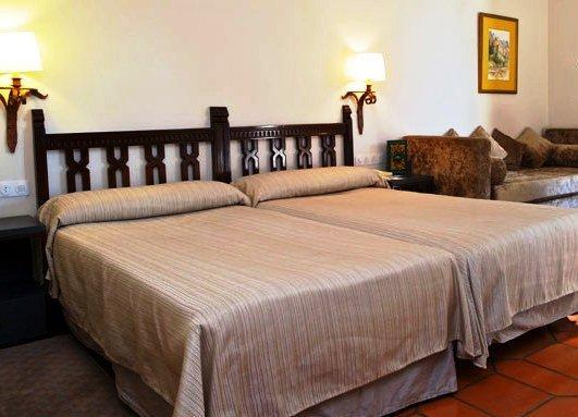Parador De Avila Hotel