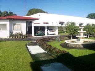 Mayon View Apartelle and Restaurant Sa Bukid