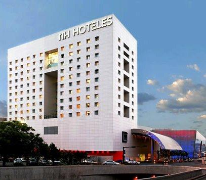 Among Others The Nh Hotel Monterrey Offers Following Services Business Center Parking And Non Smoking Rooms