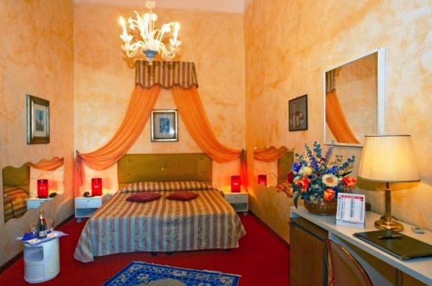 Hotel Laurens Genoa