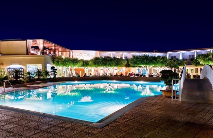 Sandy Beach Hotel Family Suites Bilder