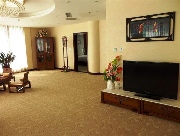 Poya Hotel
