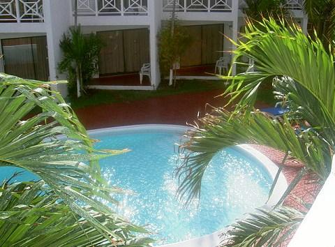 Chrisanns Beach Resort Ocho Rios