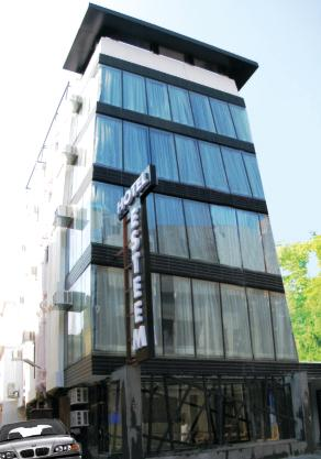 Hotel Esteem