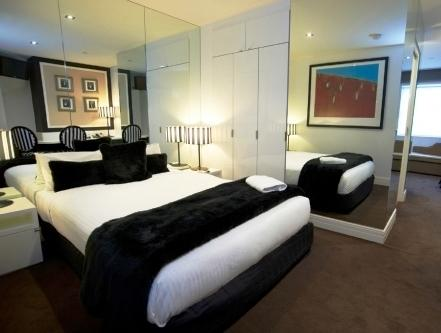 melbourne cricket ground stadium in melbourne thousand. Black Bedroom Furniture Sets. Home Design Ideas