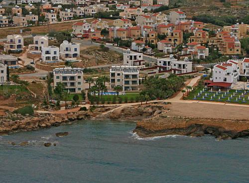 Rododafni Beach Holiday Apartments & Villas