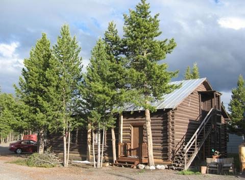 Yellowstone Self Catering Lodging
