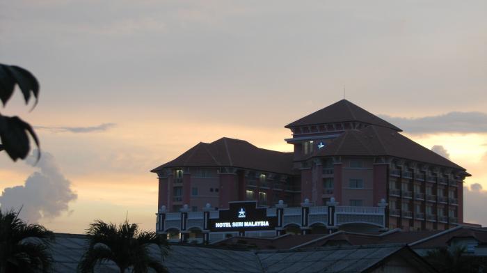 Save Up To 80 On Hotels Hotel Seri Malaysia Kepala Batas