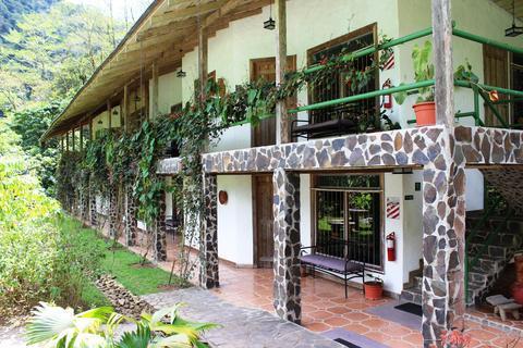 Save Up To 80 On Hotels Bosque De Paz Reserva Biologica Rio Segundo Costa Rica