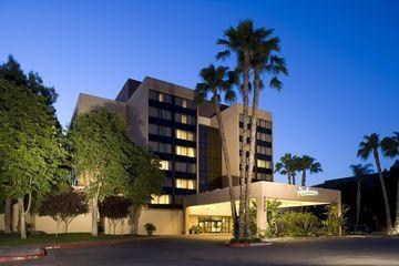 Radisson Hotel Fresno