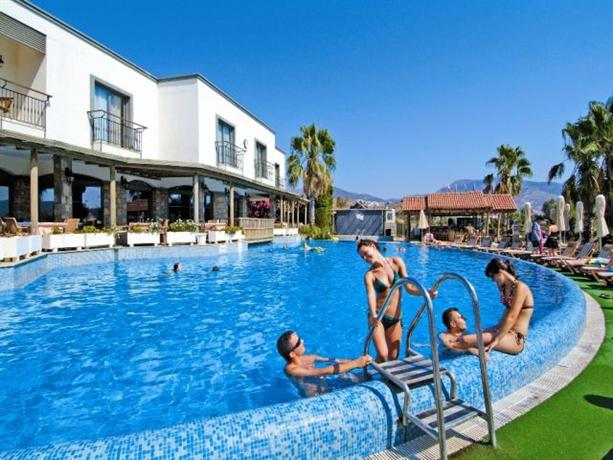 3 S Beach Club Resort Bodrum