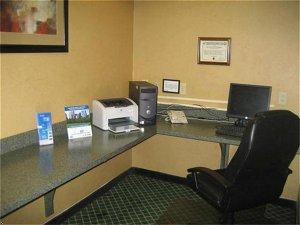 Holiday Inn Express Hotel & Suites Hinesville