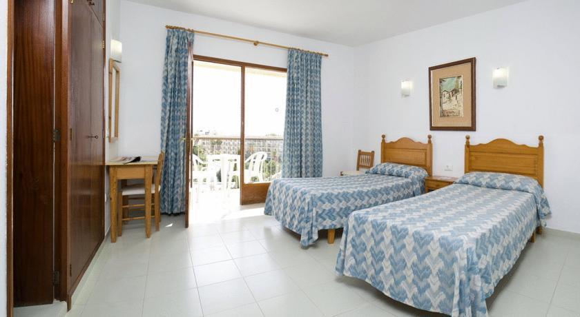 Hostal La Perla Ibiza
