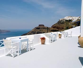 Manos Small World Apartments Santorini