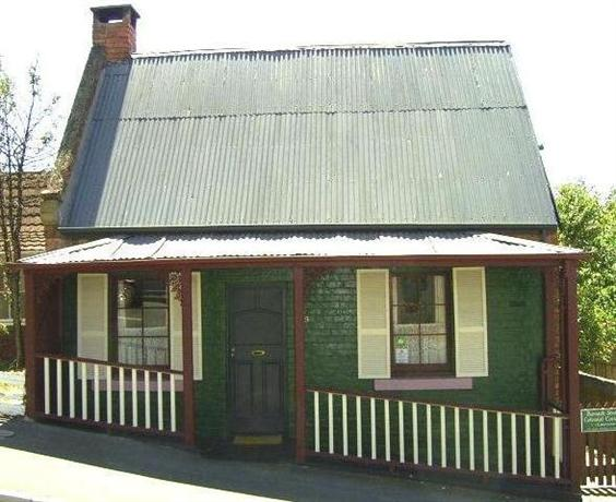 Barrack Street Colonial Cottage Hobart