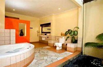 Mutiara Bali Boutique Resort & Villas Jl. Braban No. 88 Br. Taman Bali-Seminyak Indonesia