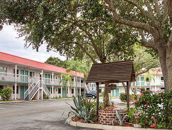 Image of Super 8 Sarasota