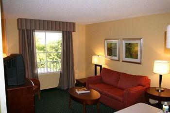 Image of Hampton Inn & Suites Ft. Lauderdale-Airport