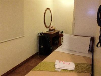 Room photo 10 from hotel Avitel Hotel Makati City