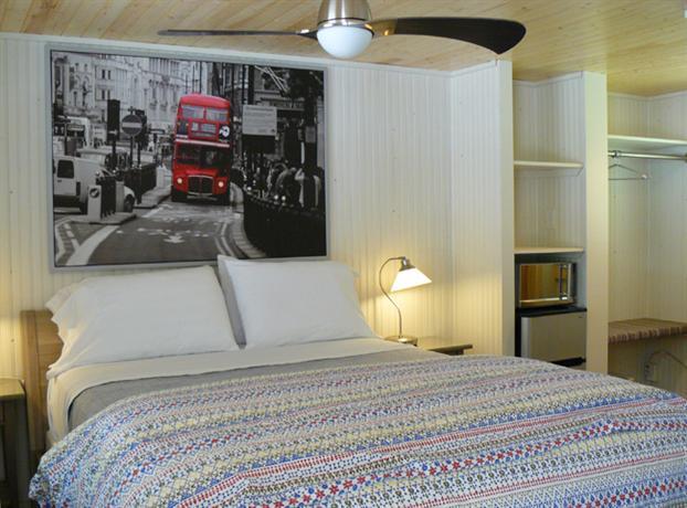 Shangrai La Motel Saugatuck