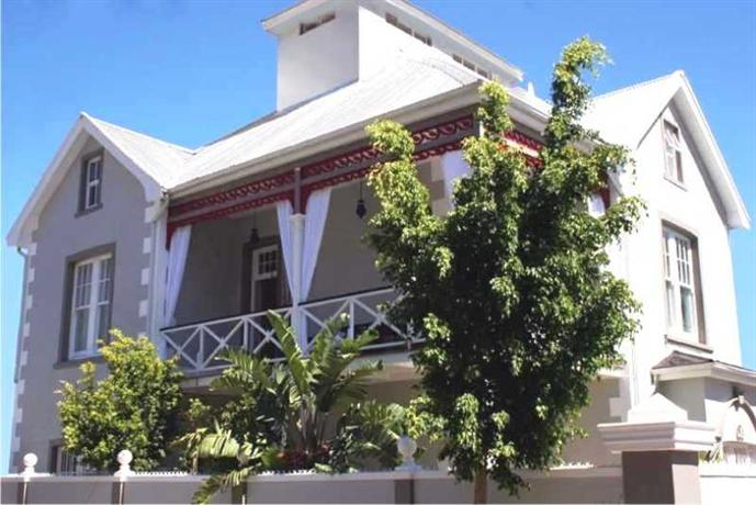4 on Varneys Guest House Cape Town
