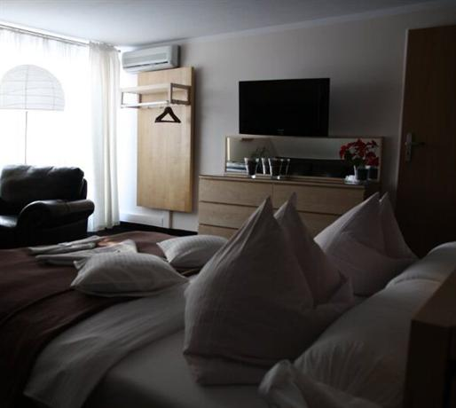 Photo from hotel 'Euro Hotelik Drzonkow Zielona Gora'