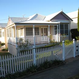Brezza Bella Bed & Breakfast, in the nearby from Merewether Beach