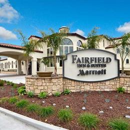 Fairfield Inn & Suites Santa Cruz Capitola, in the nearby from Natural Bridges State Beach