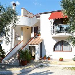 Hotel Residence Torre Del Porto, in the nearby from 2 Canale Camping Dei Fiori 30 Mt Dx