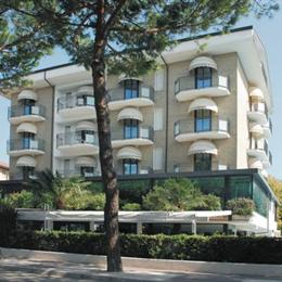 Hotel Liverpool, in the nearby from Bassona - 100 M N   Foce Bevano