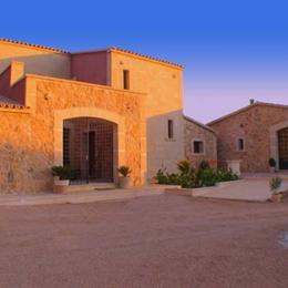 Villa Sampoli, in the nearby from Cala Estancia