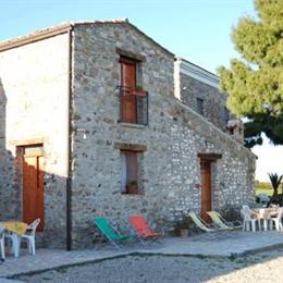 Masseria Cielogreco, in the nearby from Scoglio La Grilla