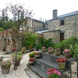 Casa Rural Piñeiro, in the nearby from Grande de Miño