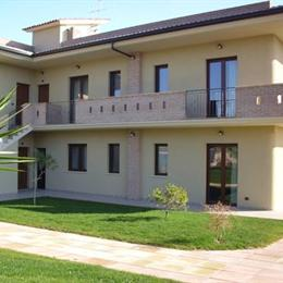 Residence Eden Mozzagrogna, in the nearby from 100 Mt A Nord Foce F. Feltrino