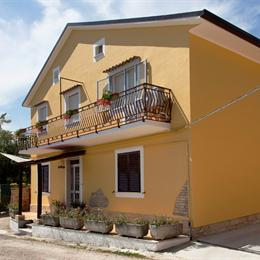 B&B Sunflower, in the nearby from 100 Mt A Nord Foce F. Feltrino