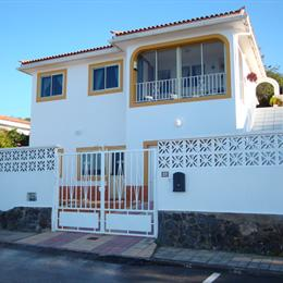 Apartment Overlooking The Sea, in the nearby from Playa Jardín
