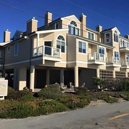 Landis Shores Oceanfront Inn Half Moon Bay, in the nearby from Coyote Point County Park