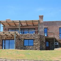 Sugar Loaf Ocean Club & Spa, in the nearby from Playa de Piriapolis