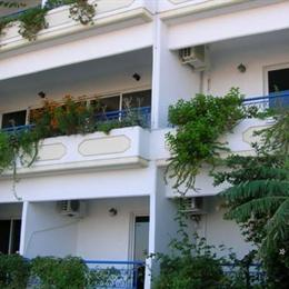 Christiana Hotel Apartments, in the nearby from lardos