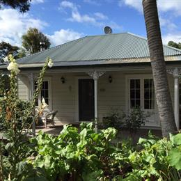 Heartsong Retreat, in the nearby from Big Oneroa Beach