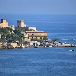 Blue Island Villa Caterina, in the nearby from Via Messina Marine N.C. 328
